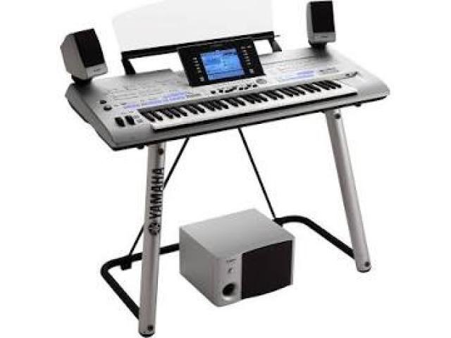 Yamaha Tyros 4 Arranger Keyboard 61-Key Workstation