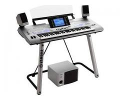 Yamaha Tyros 4 Arranger Keyboard 61-Key Workstation
